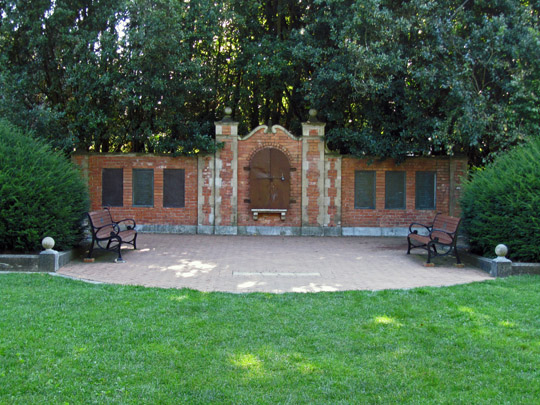 Shakespeare Garden in Golden Gate Park. John did tai chi in front of the wall.